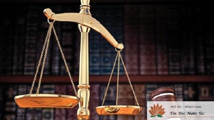 Các vụ án thông qua nhân viên của ông (Bộ Di Trú) nếu có từ chối thì đương đơn luôn có quyền khiếu nại tới Toà AAT
