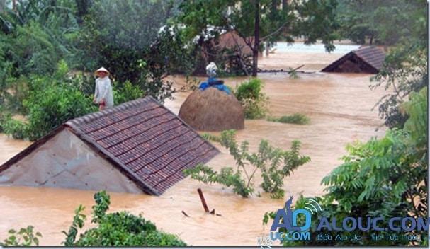 Miền Trung ngập lụt nặng nề