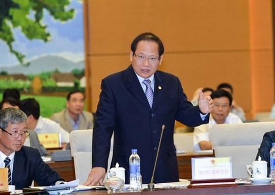 Bộ trưởng Bộ Thông tin và Truyền thông Trương Minh Tuấn trả lời chất vấn chiều 18-4 - Ảnh: Quochoi