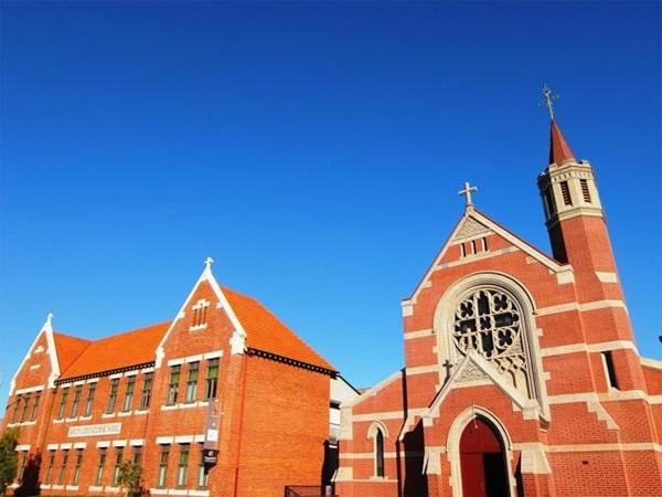 Thời tiết ở Perth vào mùa thu rất lý tưởng, bầu trời xanh ngắt, ánh nắng ngập tràn.