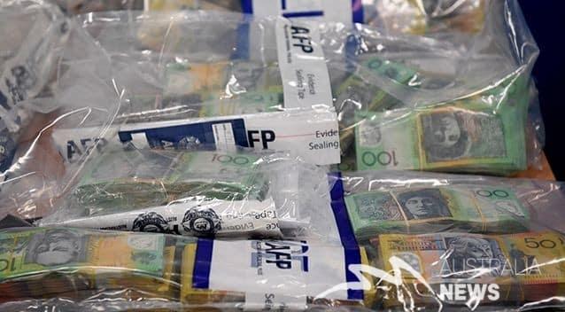 Một sĩ quan Lực lượng Biên giới Úc bị bắt vì liên quan tới đường dây vận chuyển thuốc lá lậu giữa Sydney và Dubai