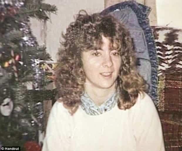 Người phụ nữ mất tích bí ẩn, 28 năm sau cảnh sát phát hiện cột bê tông 3 tấn đầy khả nghi - Ảnh 1.