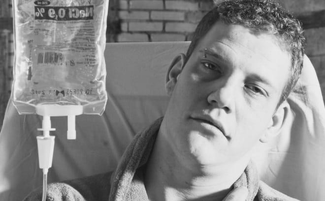 Sắp qua đời vì ung thư giai đoạn cuối, chàng trai 24 tuổi để lại bức thư khiến cả thế giới thức tỉnh