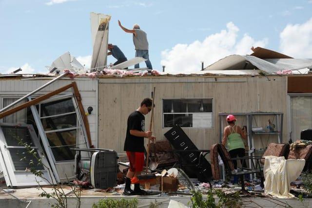 Nhiều nhà cửa bị hư hại sau siêu bão Irma. (Ảnh: Reuters)