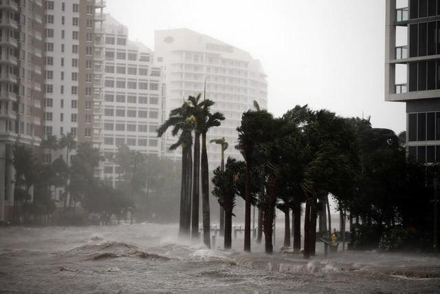 Đường phố ở Florida biến thành sông sau bão Irma. (Ảnh: Reuters)
