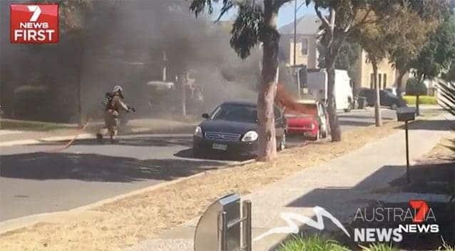 Adelaide: Sạc điện thoại rẻ tiền khiến cả một chiếc xe cháy rụi