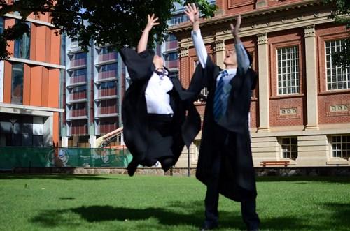 Niềm vui ngày tốt nghiệp!