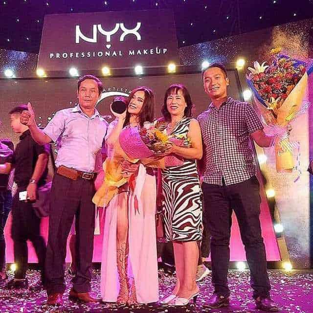 Mia lọt vào Top 3 của cuộc thi NYX Face Awards Vietnam – Beauty Vlogger of the Year 2017