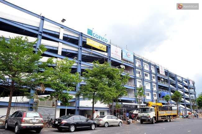 Clip nhân viên bãi xe sân bay Tân Sơn Nhất dọa nạt, giật điện thoại khi khách thông báo mất bugi xe máy - Ảnh 4.