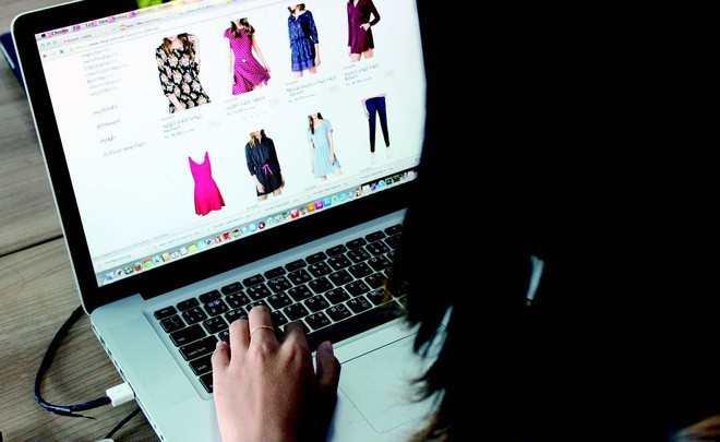 Vợ bị nghiện mua hàng online, chồng nghẹn ngào gánh khoản nợ gần 5 tỷ đồng - Ảnh 1.