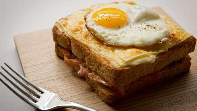 Bánh mì Việt Nam lọt top 10 món sandwich hấp dẫn nhất thế giới - 3