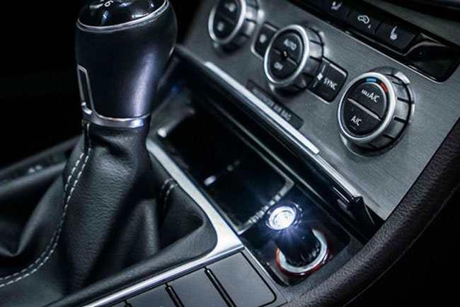 Đèn pin trên xe ô tô