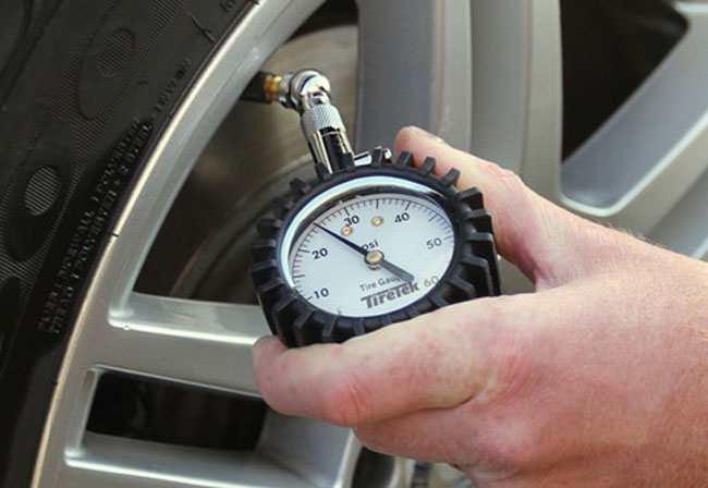 Thiết bị đo áp suất lốp