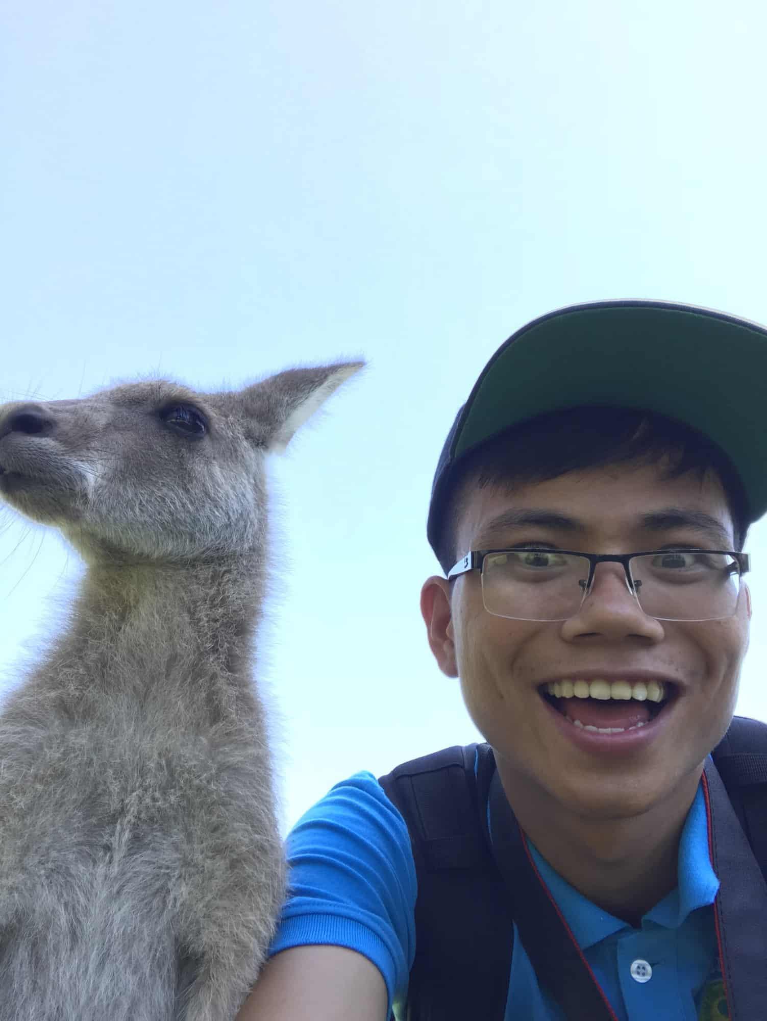 Bỏ học đi bán mắm cá, ở nhà tự học tiếng Anh, chàng trai Quảng Trị nhận học bổng du học Úc - Ảnh 8.