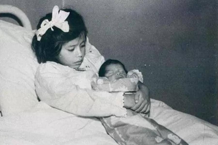 Bé gái mang thai và sinh con khi mới chỉ 5 tuổi: Câu chuyện kỳ lạ gây xôn xao dư luận thế giới suốt gần 80 năm qua - Ảnh 2.
