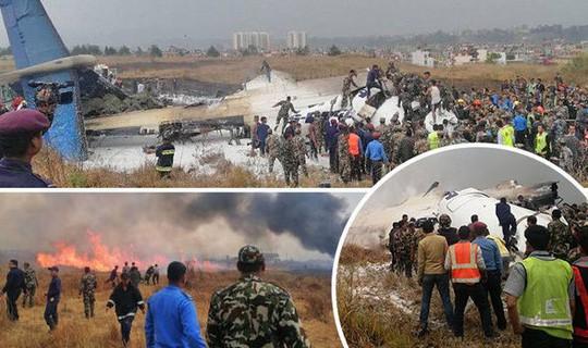 Đang hạ cánh, máy bay rơi xuống bốc cháy, 50 người chết - Ảnh 1.