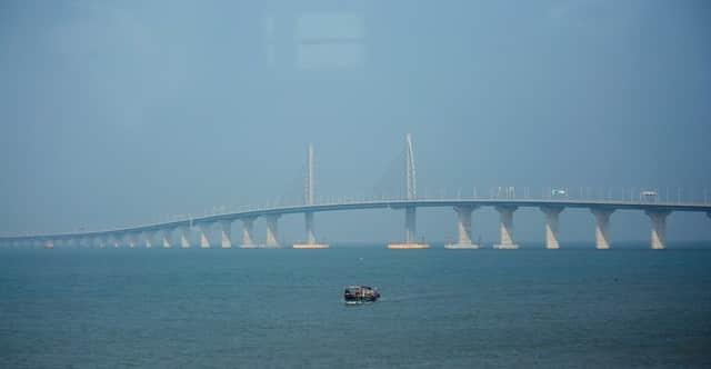 Trung Quốc mở cửa cầu trên biển dài nhất thế giới, nối Hongkong và Macau, dùng đến lượng thép đủ để xây 60 tháp Eiffel - Ảnh 12.