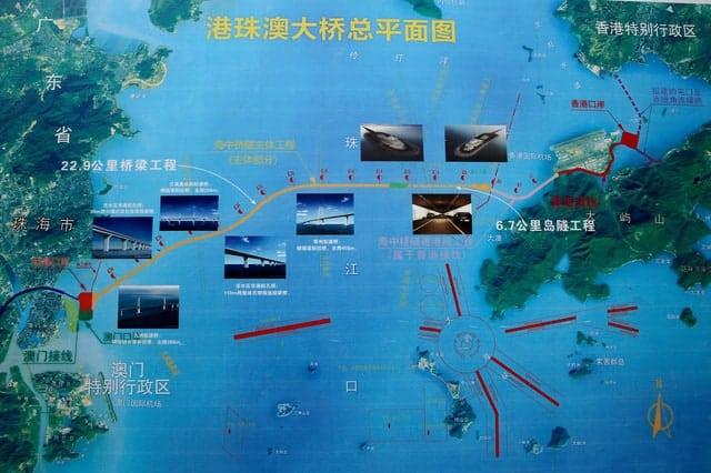 Trung Quốc mở cửa cầu trên biển dài nhất thế giới, nối Hongkong và Macau, dùng đến lượng thép đủ để xây 60 tháp Eiffel - Ảnh 4.
