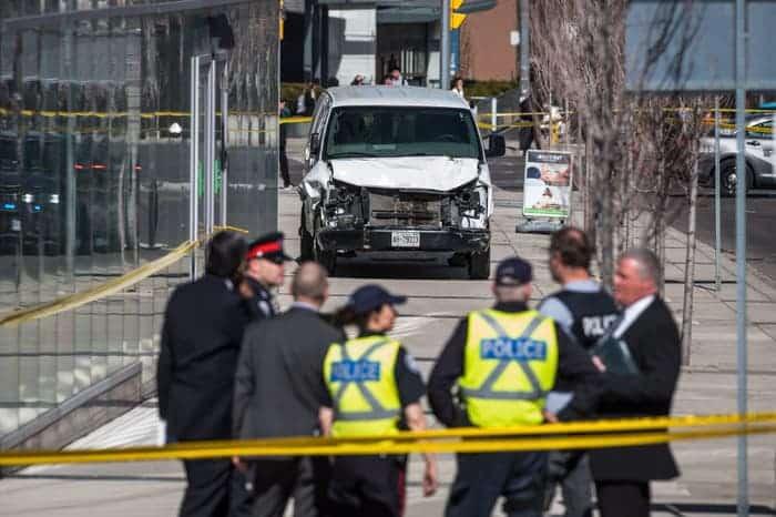 Viên cảnh sát gốc Á được tôn vinh anh hùng ở Canada - Ảnh 5.