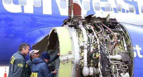 Máy bay của Southwest Airlines bị nổ động cơ, khiến một hành khách thiệt mạng. Ảnh: News.