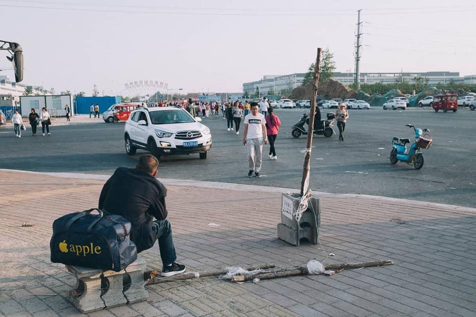 Bên trong thành phố iPhone sản xuất 500.000 chiếc/ ngày ở Trung Quốc - Ảnh 11.