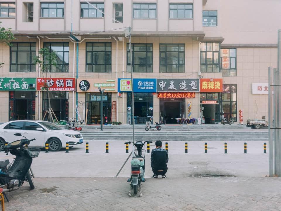 Bên trong thành phố iPhone sản xuất 500.000 chiếc/ ngày ở Trung Quốc - Ảnh 13.