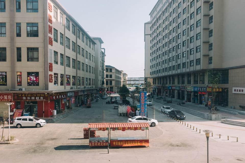 Bên trong thành phố iPhone sản xuất 500.000 chiếc/ ngày ở Trung Quốc - Ảnh 16.