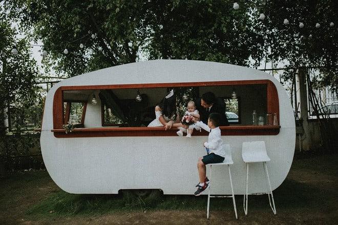 Làm thuê cho bếp ăn, 2h sáng dậy giao sữa: Cuộc sống chật vật nhưng hạnh phúc của đôi vợ chồng Việt kiều Úc - Ảnh 4.