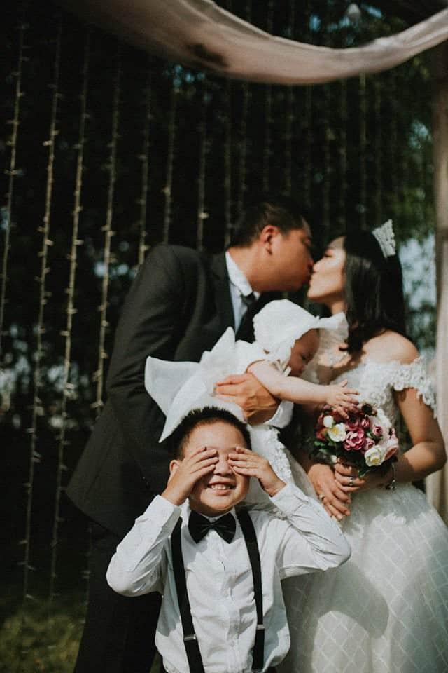 Làm thuê cho bếp ăn, 2h sáng dậy giao sữa: Cuộc sống chật vật nhưng hạnh phúc của đôi vợ chồng Việt kiều Úc - Ảnh 7.