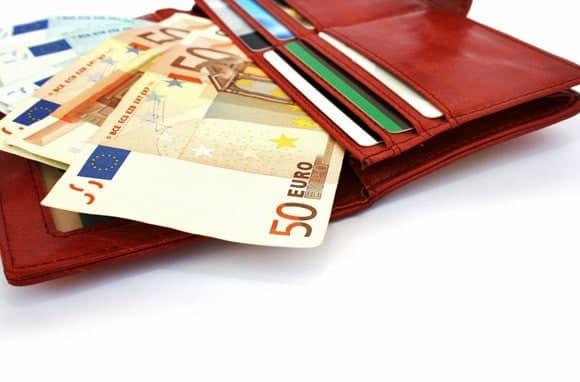 7 cách để không bị mất tiền khi đi du lịch - Ảnh 1.