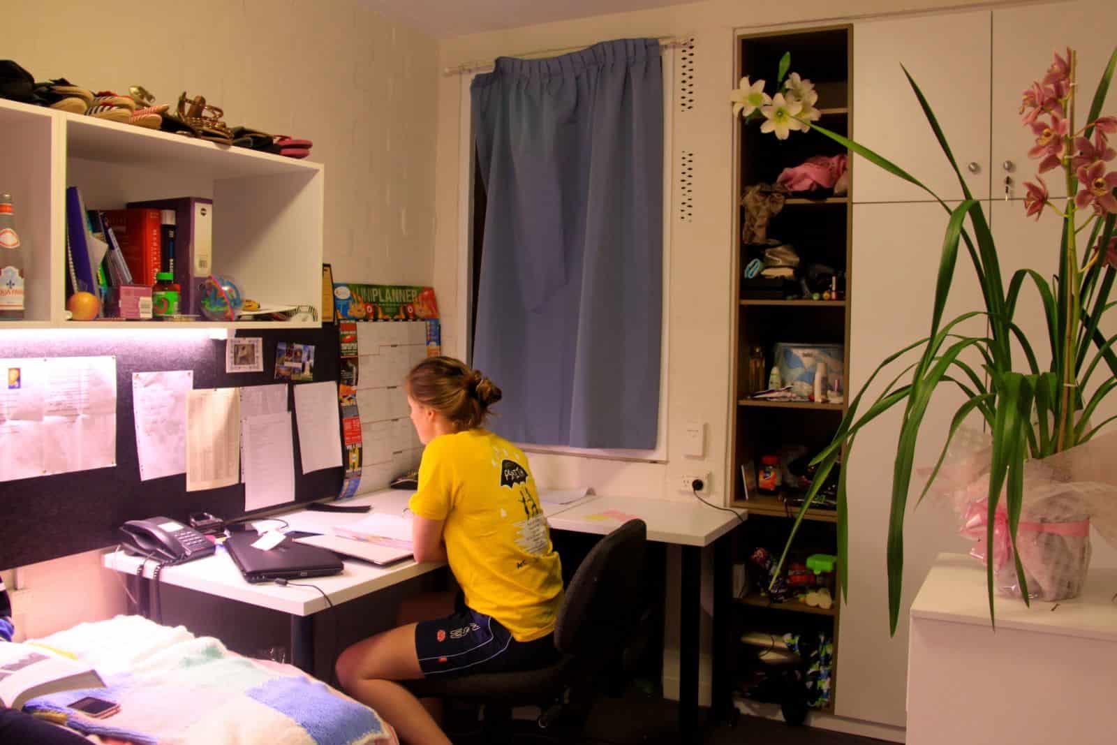 Kết quả hình ảnh cho Du học ở Úc và câu chuyện tá túc ở nhà người thân