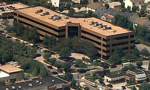 Tòa soạn Capital Gazette nằm tại một khu nhà 4 tầng. Ảnh: CBS News.