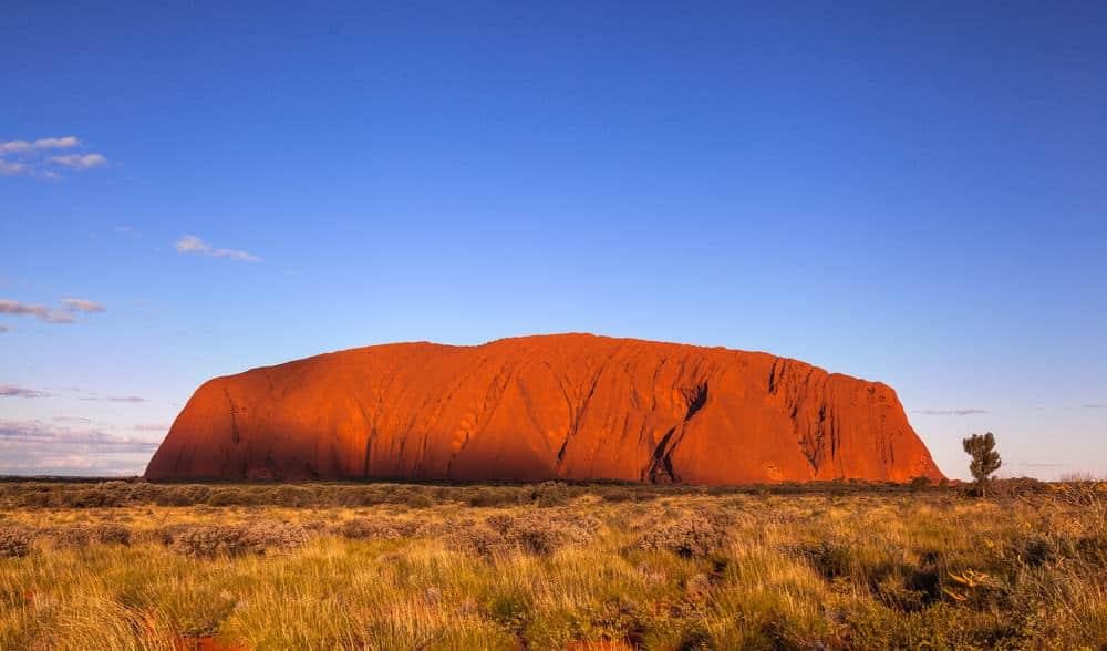 Ngắm Uluru vào mùa đông thật đẹp