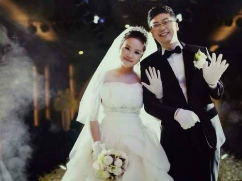 Chàng trai Hàn có nụ cười hiền rất đẹp, khiến cô gái Việt yêu ngay lần đầu gặp. Ảnh: NVCC.
