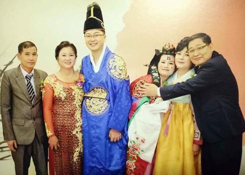 Mẹ chồng Hàn từng phản đối mối quan hệ của họ, nhưng đến giờ thì yêu thương nàng dâu hết mực. Đôi vợ chồng sống cùng bố mẹ. Ảnh: NVCC.