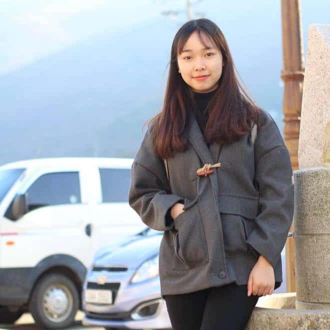 Tuyết Nhung, nữ du học sinh đang gây sốt với tâm sự du học Hàn không như mơ.