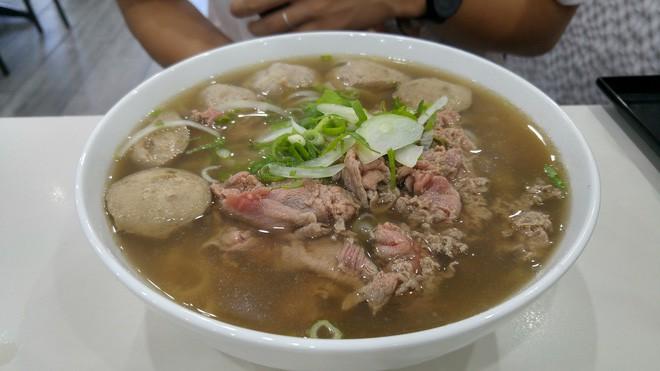 Thành phố Sydney cũng không kém cạnh với những quán ăn Việt lâu đời, có quán đã tồn tại hơn 40 năm - Ảnh 2.