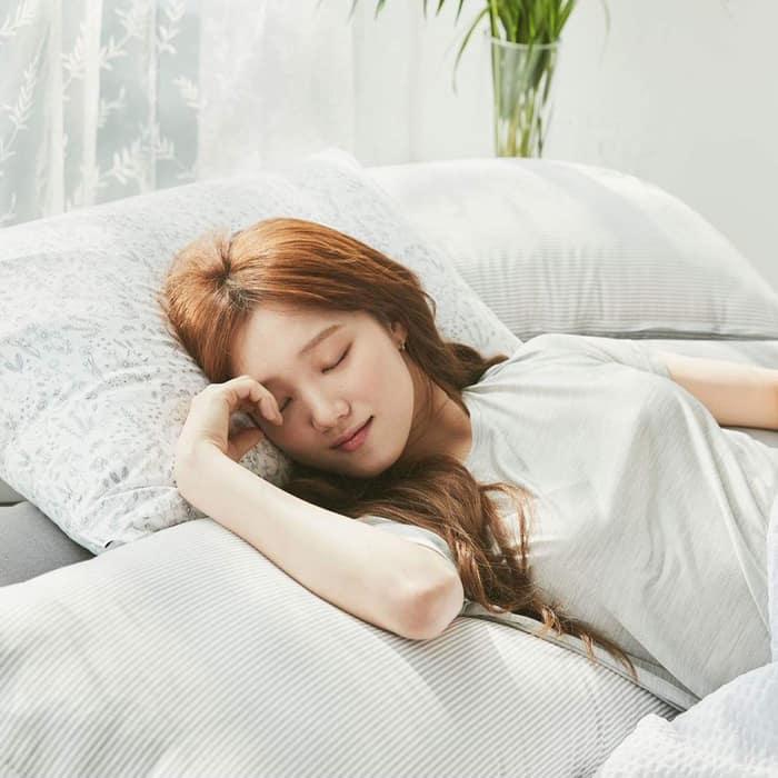 Những điều các chuyên gia không khuyến khích làm trước giờ ngủ