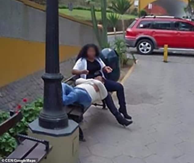 Chồng ly hôn vì trông thấy vợ tình tứ với người đàn ông khác qua Google Street View - Ảnh 1.