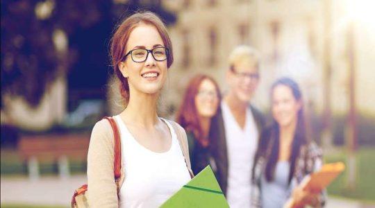 Thi thông dịch NAATI CCL language test được cộng điểm khi nộp thường trú Úc