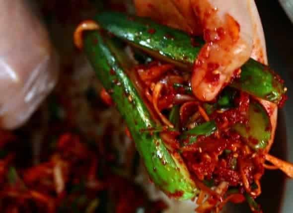 Học phụ nữ Hàn bí kíp làm kim chi dưa leo siêu ngon