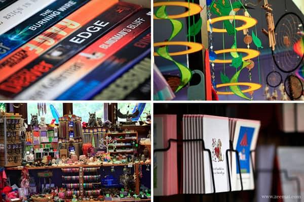 Ở đây có nhiều cửa hàng lưu niệm, những món hàng nho nhỏ, tinh xảo, đầy màu sắc được trưng bày ngăn nắp.