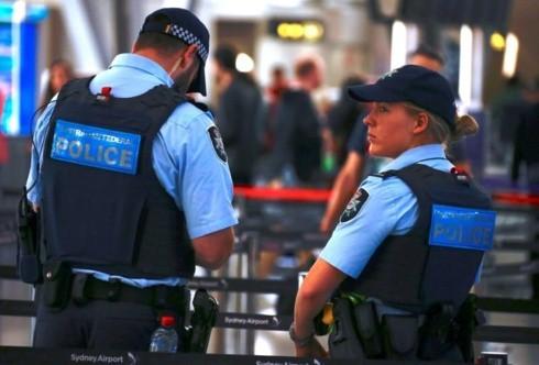 Cảnh sát Australia bắt 1 đối tượng khung bố khả nghi ngoài nhà thờ ở Melbourne - ảnh 1