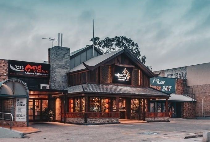 Tiệm lẩu đẹp như cổ trấn giữa Sydney