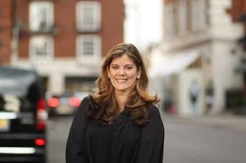 Bà Carmen hạn chế tối đa việc giúp đỡ con trai trong cách vận hành công ty. Ảnh: Talented Ladies.