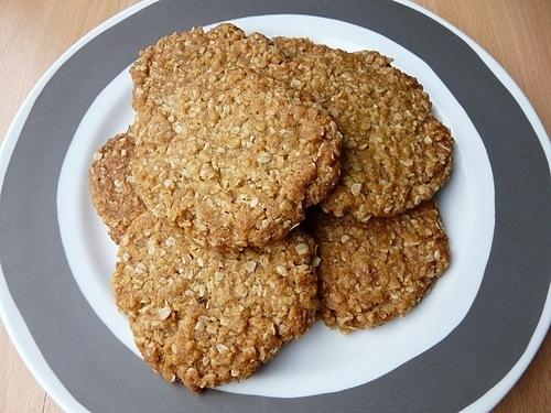 Bánh quy gắn liền với quân đội 2 nướctừ thế chiến I. Ảnh: Flickr/Tristan Ferne.