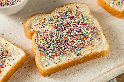 Trẻ em trên khắp Australia cũng yêu thích làm loại bánh này. Ảnh: Envato.