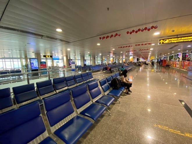 Sân bay Tân Sơn Nhất vắng vẻ mùa dịch bệnh Corona /// Ảnh: Đình Sơn