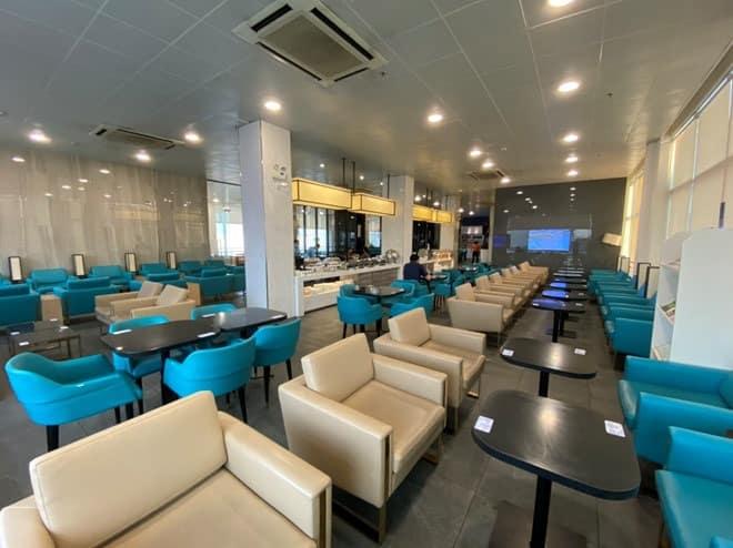 Viêm phổi Vũ Hán: Chưa bao giờ sân bay Tân Sơn Nhất vắng như thế - ảnh 7
