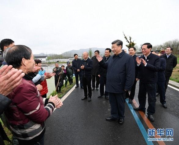 Ông Tập tháo khẩu trang đi gặp dân, Trung Quốc sắp hết dịch? - Ảnh 2.